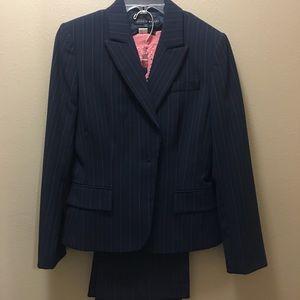 Antonio Melani Two Piece Suit / Matching Top